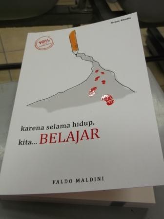 Buku Karena Selama Hidup Kita Belajar